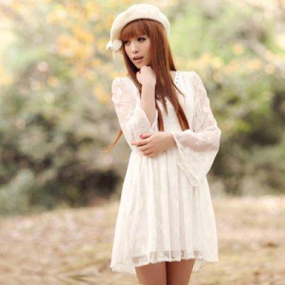 [[พร้อมส่ง]] ชุดเดรสสีขาว Mumu ผ้าลูกไม้ผสมแขนยาว
