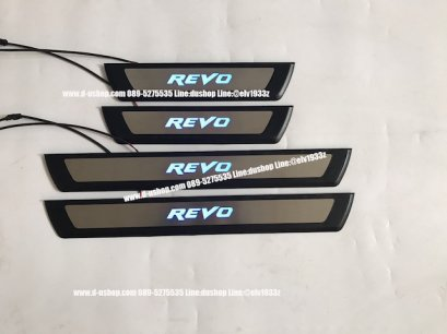 กาบบันไดมีไฟพื้นดำ ตรงรุ่น Toyota REVO 2015 สำหรับรุ่น4ประตู