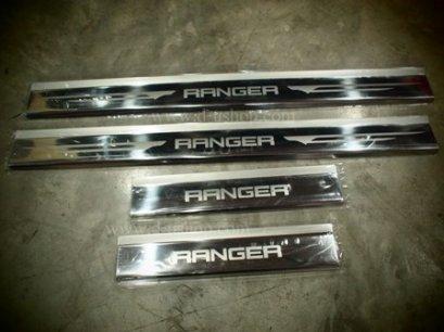 ชายบันได Ford Ranger 4 ประตู