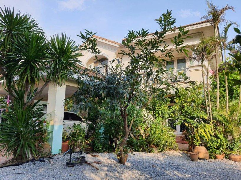 ขายถูกมาก!! บ้านเดี่ยว 2 ชั้น หมู่บ้านภัสสร 10 สุวินทวงศ์ (Passorn 10 Suwinthawong) ขนาดพื้นที่ 109 ตารางวา พื้นที่หน้าบ้านกว้าง สามารถต่อเติมสร้างบ้านได้อีกหลัง!! ต่อเติมภายในและภายนอกครบ บ้านสภาพดีมาก พร้อมอยู่!!