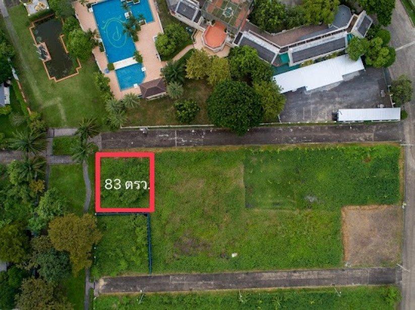 ขายที่ดินเปล่าแปลงมุม!!! เหมาะปลูกบ้านพักอาศัย โครงปัญจทรัพย์ พาร์ค ปิ่นเกล้า พื้นที่ 83 ตรว. ตรงข้าม Clubhouse โครงการ ราคาพิเศษ!!!