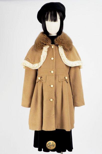 *** Limited Editon  เช่าเสื้อโค้ทผู้หญิง รุ่น  Fox Fur collar Pine Cone Cape Coat  2006GCL756FABR1