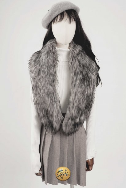 Faux Fur Scarf 904GFUR011SVF1