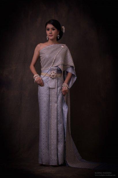ชุดไทยผ้าโบราณแท้ สีเทา