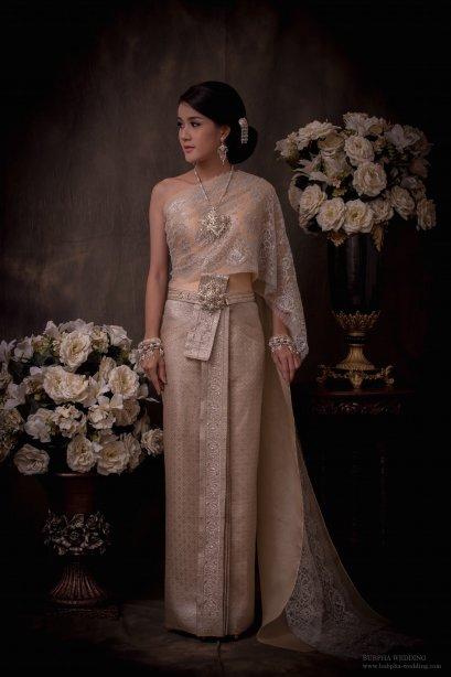 ชุดไทยผ้าโบราณแท้ สีโอรส