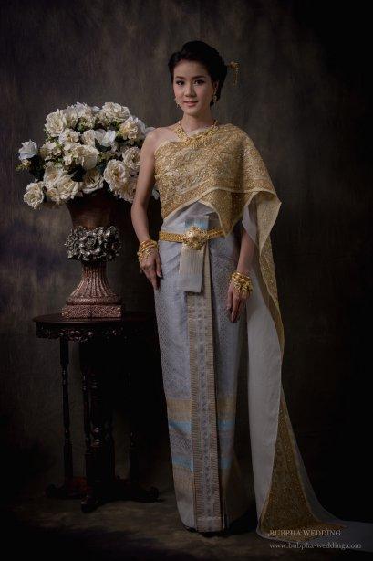 ชุดไทยผ้ายกแท้  เซทที่  9