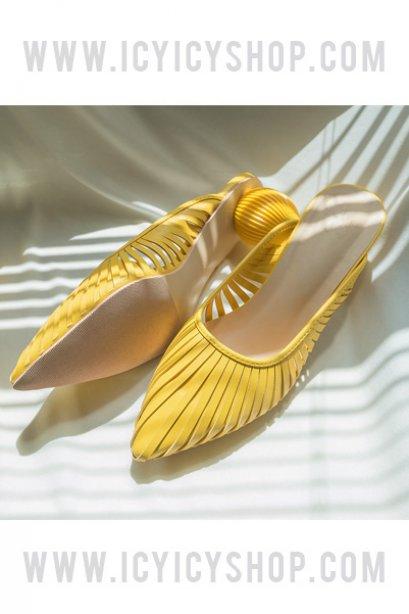 Olivia Sphere Flat Shoes