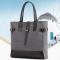 กระเป๋าถือทรงสี่เหลี่ยมผ้าแคนวาส